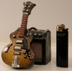 Tiny guitar&amp